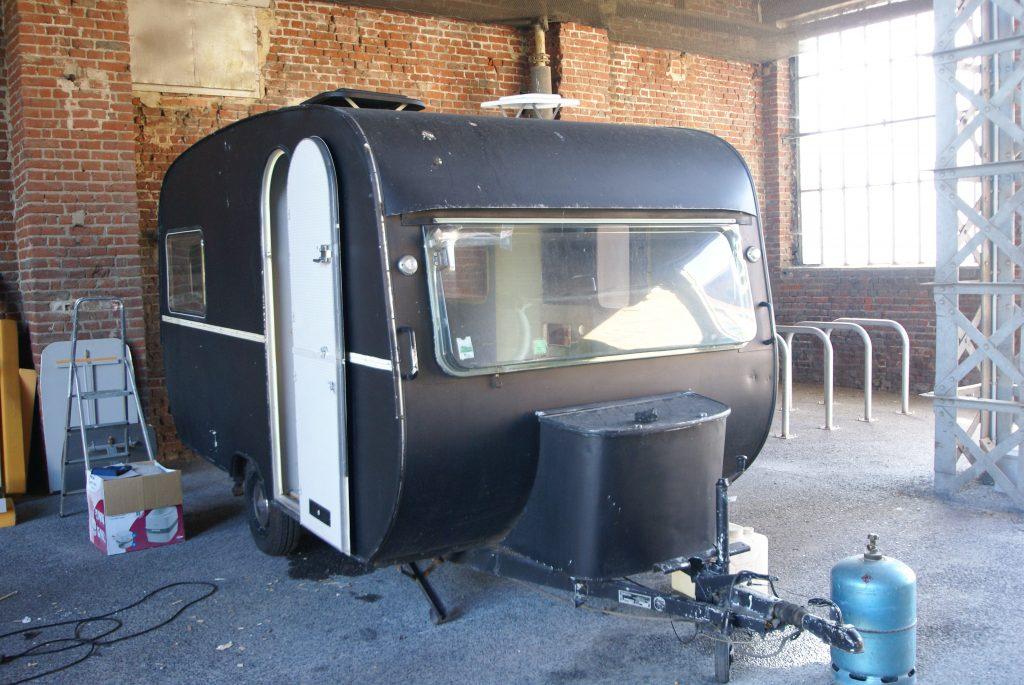 sp cial petits espaces r novation d une caravane avec jinkau dc architecture. Black Bedroom Furniture Sets. Home Design Ideas